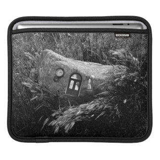 A Home in the Grass Sleeve For iPads
