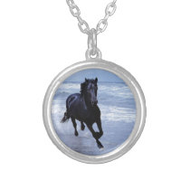 A horse wild and free silver plated necklace