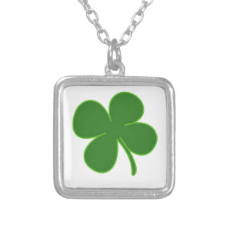 A Kelly Green Shamrock Square Pendant Necklace