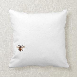 A la abeja o no a la almohada de la abeja