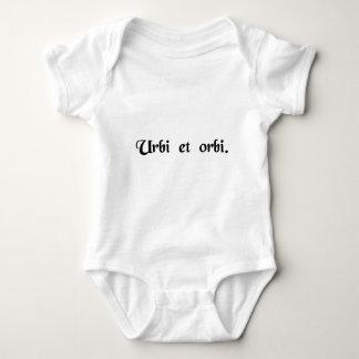 A la ciudad y al mundo mameluco de bebé