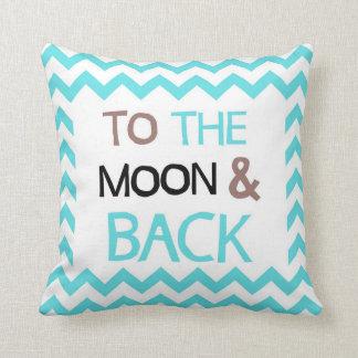 A la luna y al amortiguador trasero almohadas