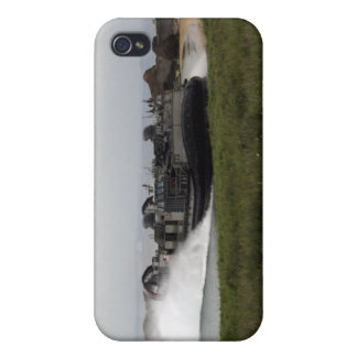A landing craft air cushion comes ashore iPhone 4/4S case