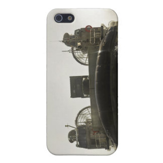 A landing craft air cushion prepares to enter cover for iPhone 5