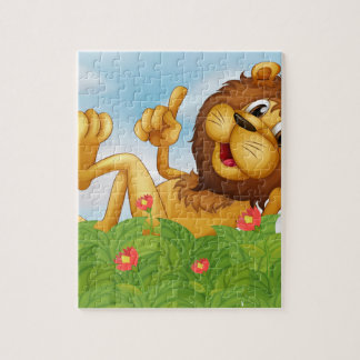 A lion with a crown at the garden puzzle