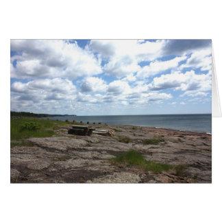 A lo largo de la línea de la playa tarjeta de felicitación