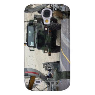 A loadmaster guides a Marine 7-ton truck Samsung Galaxy S4 Cover