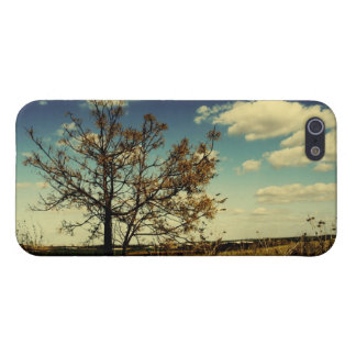 A lonely tree in a yellow dry field case for iPhone SE/5/5s