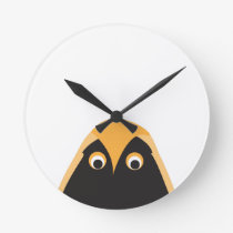 A Lucky OWL Greeting Round Clock
