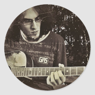 A man and his Guitar. Classic Round Sticker