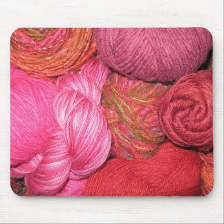 A Mano Yarn Center: Mousepad (pinks)