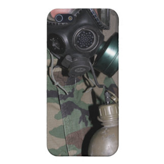 A Marine drinks water from his canteen iPhone SE/5/5s Case