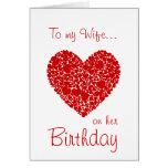 A mi esposa en sus corazones Cumpleaños-Rojos romá Tarjetón