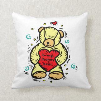 a mi oso de miel que lleva a cabo el corazón rojo  almohada