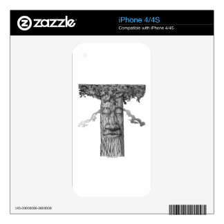 A Mighty Tree Cover B&W iPhone 4S Decal