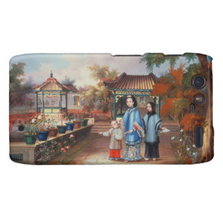 A mother with her children in a chinese garden c droid RAZR cover