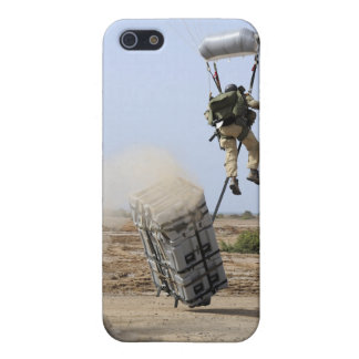 A pararescueman drops into the zone iPhone SE/5/5s cover