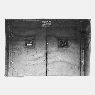 A puerta cerrada toallas