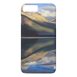 A rower on Banff Lake in the Canada MR) iPhone 8 Plus/7 Plus Case