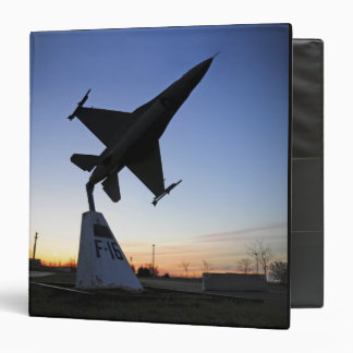 A scale model of an F-16 C Fighting Falcon 3 Ring Binder