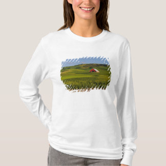 A scenic view of a barn in Moscow Idaho. T-Shirt