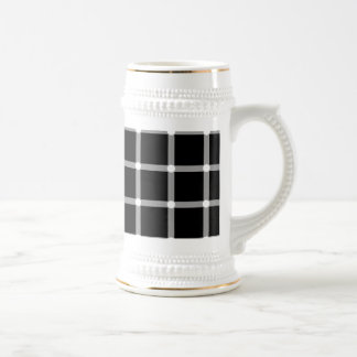 A scintillating black and white grid optical illus 18 oz beer stein