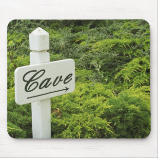 A sign pointing tho the wine cellar (Cave) in Mouse Pad