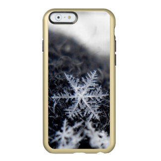A single snowflake on stands out incipio feather shine iPhone 6 case