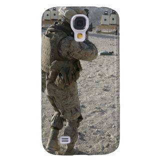A soldier engages his target on a shooting rang samsung galaxy s4 case