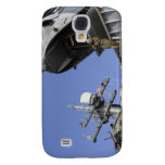 A soldier fast-ropes galaxy s4 cover