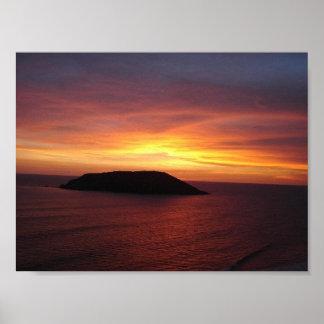 A sunset over Isla de los Lobos in Mexico Poster