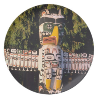 A totem pole In Vancouver, Canada. Party Plates