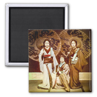 A Trio of Japanese Geisha in Old Japan Vintage 芸者 Magnet