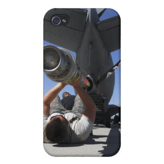 A US Air Force Airman lifts the boom of a KC-13 iPhone 4/4S Case