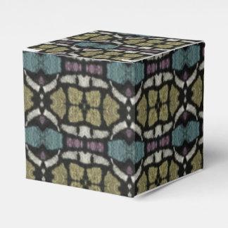 a very nice geometric pattern favor box