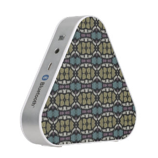 a very nice geometric pattern speaker