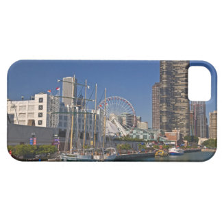 A view of Chicago's Navy Pier 2 iPhone 5 Cases