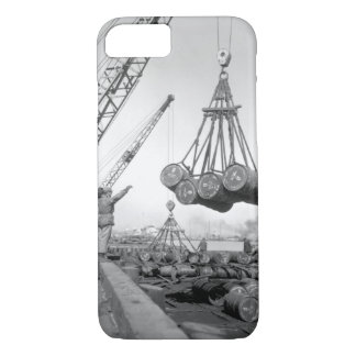 A view of the U.N. fuel dump_War Image iPhone 8/7 Case