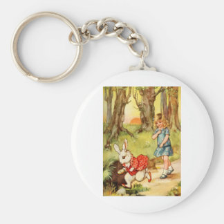 A WHITE RABBIT CAME RACING BY ALICE BASIC ROUND BUTTON KEYCHAIN