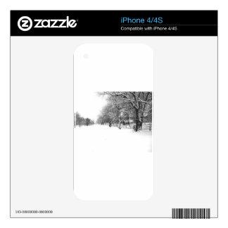 A Winter Walk Down Parley Street iPhone 4 Skins