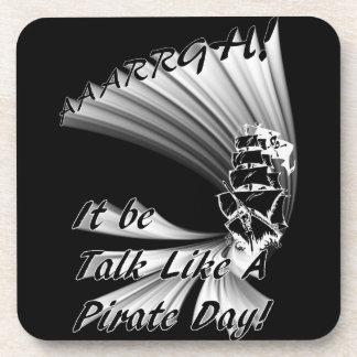 ¡AAARGH! ¡Sea charla como un día del pirata! Posavasos
