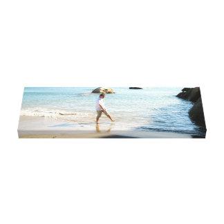 Aaron en la playa impresión en lona estirada