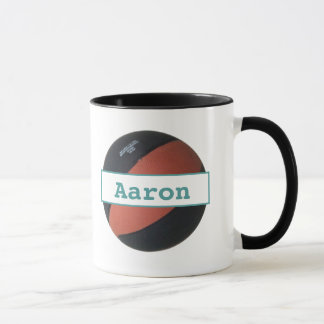 Aaron personalizó la taza del campanero del