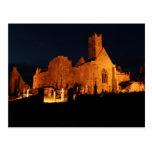 Abadía de Quin en la noche Postales