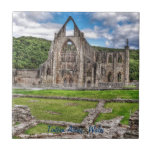 Abadía de Tintern, monasterio cisterciense, País d Azulejos