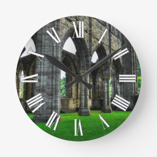 Abadía de Tintern, monasterio cisterciense, País Reloj Redondo Mediano