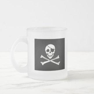 Abajo a la taza escarchada de la poesía del pirata