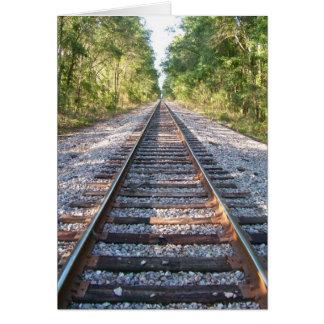 Abajo de las pistas de ferrocarril tarjeta de felicitación
