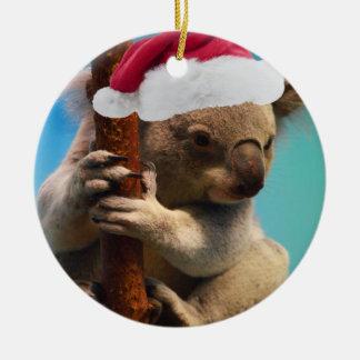Abajo debajo de koala del navidad adorno redondo de cerámica