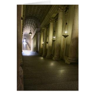 Abajo del vestíbulo tarjeton